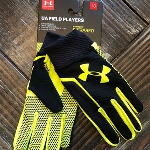 Under Armour ColdGear Soccer Field Players Gloves